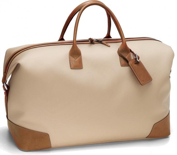 cách làm sạch túi xách nam màu trắng