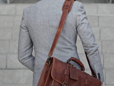 Làm thế nào để chọn túi xách nam phù hợp với phong cách của bạn nhất