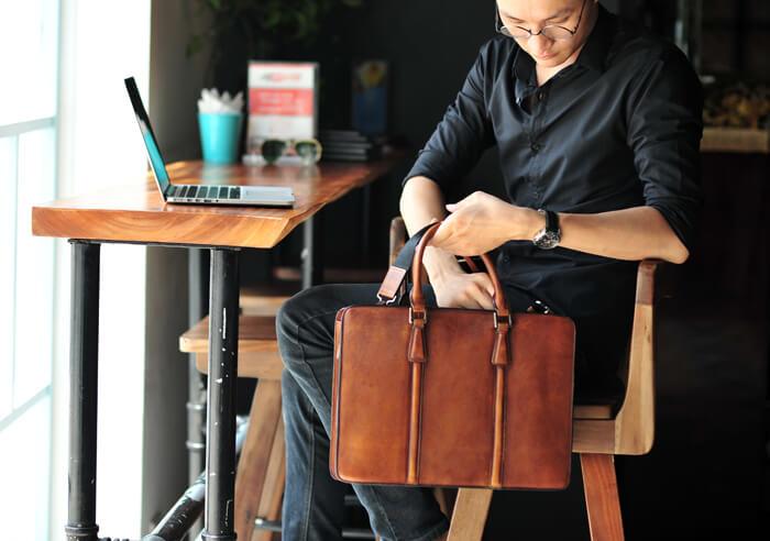 Lựa chọn một chiếc túi xách phù hợp với công việc sẽ thuận tiện hơn cho bạn rất nhiều