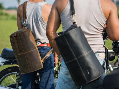 Hướng dẫn cách chọn túi xách nam du lịch cho chuyến đi