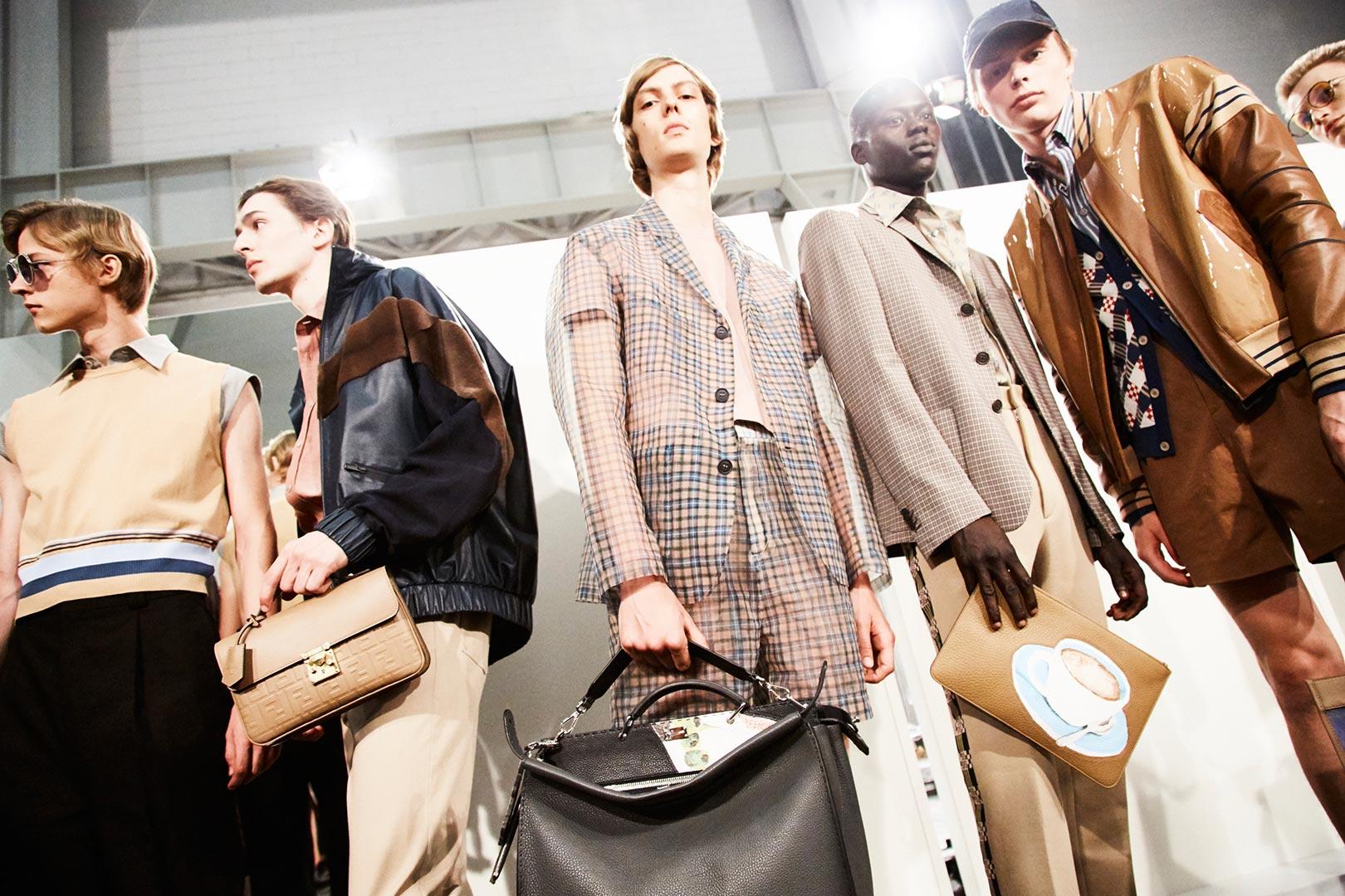 Những chiếc túi xách có thiết kế khác nhau cho bạn nhiều lựa chọn