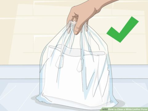 Cách ngăn chặn và làm sạch túi xách nam màu trắng khỏi nấm mốc