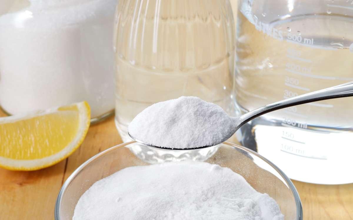Vừa có tác dụng hút mùi và hút ẩm nên banking soda có thể khửu mùi hiệu quả