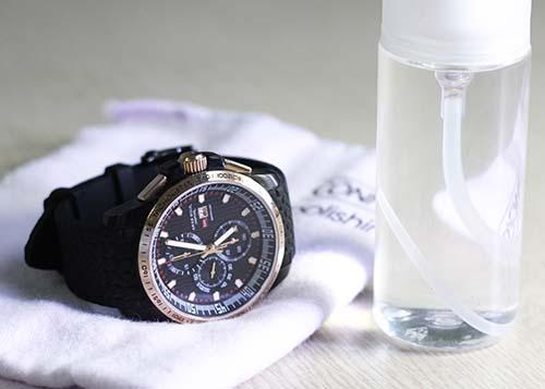 Típ làm sạch đồng hồ đeo tay cực kỳ hiệu quả tại nhà
