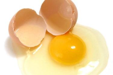 Mẹo làm sạch túi xách bị mốc bằng lòng trắng trứng
