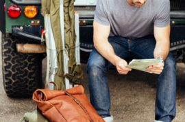Tip chọn túi xách cho quý ông độ tuổi tứ tuần